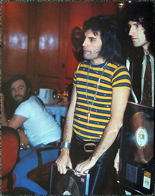 Queen Poster Page 1977 Bpi Awards Freddie Mercury & Brian May R20