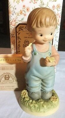 """1999 Memories Of Yesterday  """"she Loves Me""""  #my991 New In Box"""