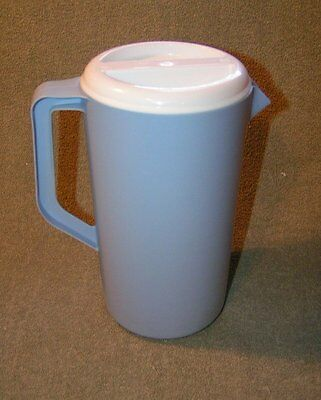 RETRO Rubbermaid Light Blue  2-1/4 quarts SLOTTED  beverage PITCHER container