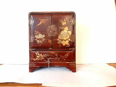 Vintage Japanese lacquer ware Jewelry box chest Red GOLD birds FLOWERS with KEY