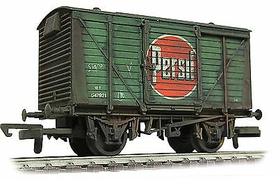 Airfix 12t Persil vent van wagon ***PRO WEATHERED LOOK***