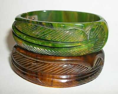 "Lot PAIR (2)of FABULOUS ""FEATHER"" Carved Vtg Bakelite Hinged CLAMPER BRACELET"