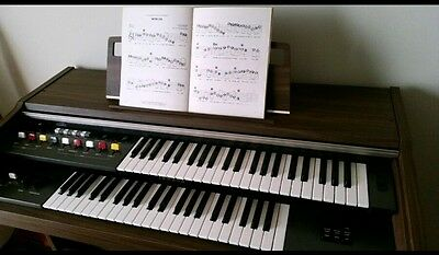 Yamaha Vintage Piano with stool and original music - complete lot