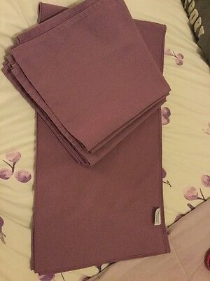 Table Runner With 8 Napkins