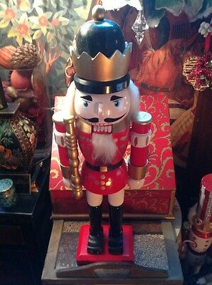VINTAGE WOODEN NUTCRACKER KING SOLDIER, WITH BATTEN HANDPAINTED, HIGH QUAL 21in