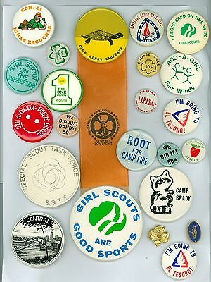 20 Vintage 1970s Girl Scouts & Camp Fire Girls Pinback Buttons &1 Ribbon