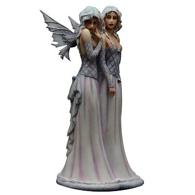 Sister's Love Figurine Selina Fenech - Lavender Collection - Munro Gifts