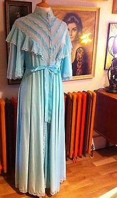 1980s VINTAGE VICTORIAN STYLE NEGLIGEE ROBE DRESSING GOWN BY HALLE - SIZE 8 10