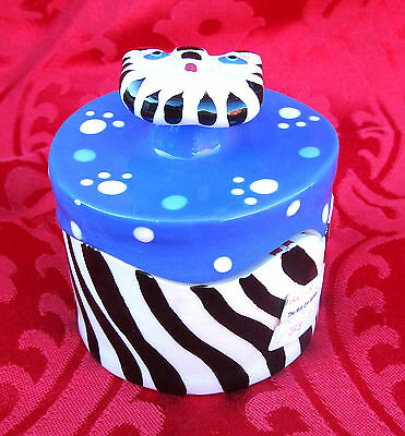 UNIQUE Chesapeake East Hand Sculpted Ceramic Crazy Cat Knob Round Trinket Box