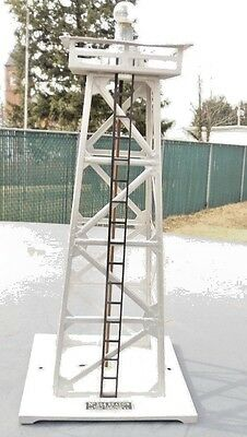Lionel #394 Beacon tower,excellent condition
