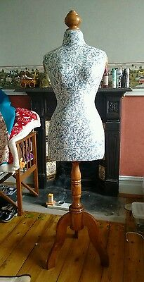 Vintage look clothes mannequin