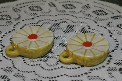 Vintage...ceramic.....very Nice Daisy.......salt & Pepper Shakers....japan