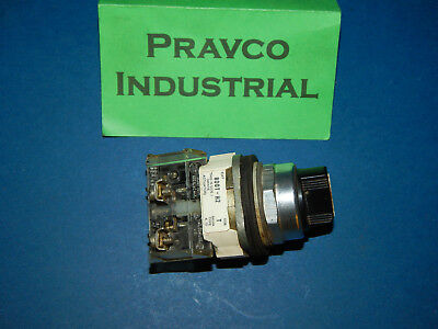 Allen Bradley 800T-H2 2Position Selector Switch Series T With Contact Block