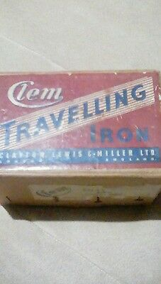 Vintage retro clem travelling iron in original box with lead & stand