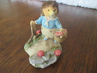 Picnic At Foxwood, Villeroy & Boch, Willy Hedgehog Figurine