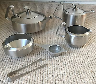 Old Hall Stainless Steel Alveston Tea Set With Strainer & Tongs By Robert Welch