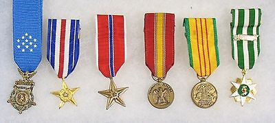 UNITED STATES MEDAL OF HONOR GROUP MINIATURES TET VIETNAM 101st AIRBORNE   X8091