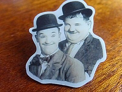 Laurel & and Hardy NEW PIN BADGE
