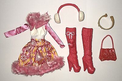 Ever After High Epic Winter Apple White Doll Outfit Clothes Dress & Shoes NEW