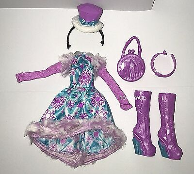 ever after high epic winter madeline hatter doll outfit clothes