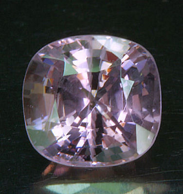 SPINELL / SPINEL      tolle  Farbe      2,24 ct