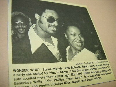 STEVIE WONDER and ROBERTA FLACK clowning 1974 original music biz promo pic/text