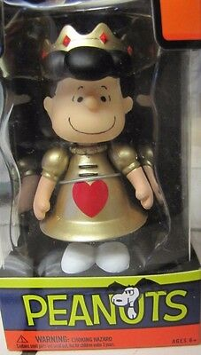 New Lucy (Peanuts)Queen Of Hearts Poseable Toy-New In Box