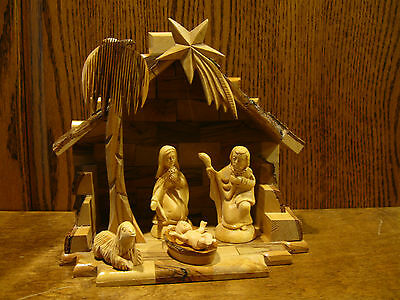 """OLIVE WOOD NATIVITY SET Made in the Holy Land, Creche 7.5"""" x 8"""" x 5"""""""