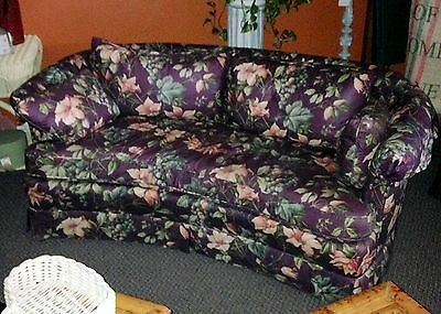 Henredon Settee/Sofa/ Small Couch Feather Pillows Rounded Back Seat