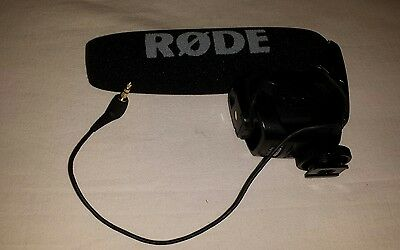 Rode VideoMic Pro Shotgun/On-Device Wired Standard Professional Microphone  used