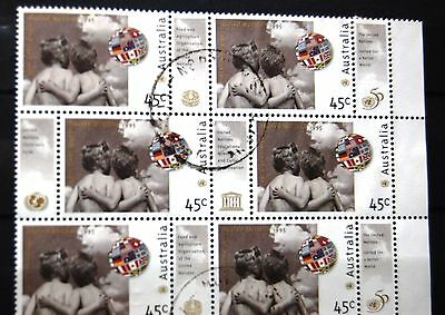Australia 1995 United Nations 50th Anniversary Block Of 6 Stamps With Labels VFU
