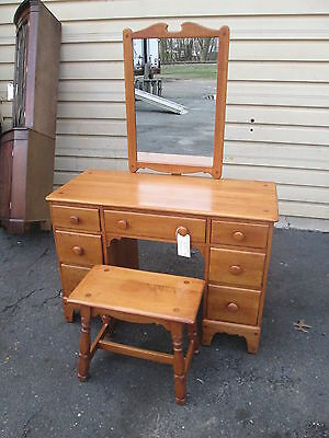 55650 Solid Maple Vanity w/ Mirror and Bench WILLETT