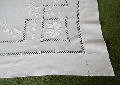 "ANTIQUE TABLECLOTH - HAND EMBROIDERY -34"" x 35"""