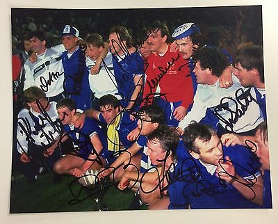A 10 x 8 inch photo personally signed by 15 Everton European Cup Winners Cup1985