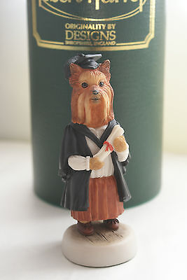 Boxed Cc72 Graduate Female Signed Yorkshire Terrier College Doggie Robert Harrop