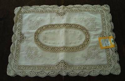 Vintage NOS Placemats Bobbin Lace Hand Embroidered Flowers Set of 4 Ecru