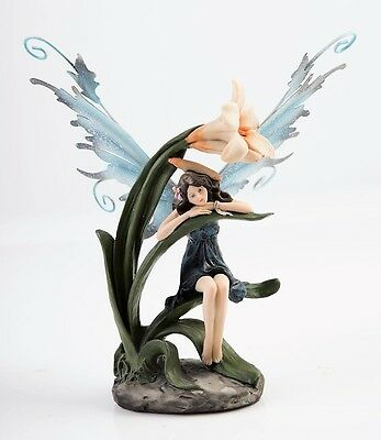 Callia - Fairy Sitting on Lily Leaf  - Legends of Avalon Figurine