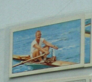 #15 R Pearce Rowing sculling  - Sport cigarette card