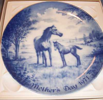 1971 Kaiser W Germany MOTHER'S DAY PLATE Mare Foal First Edition Porcelain Dish