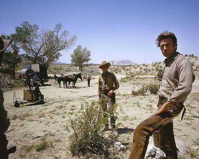 Rawhide Clint Eastwood rare on set shot talking with crew 8x10 Photo