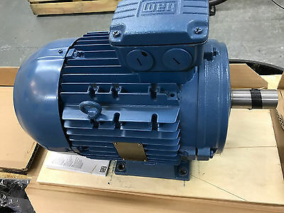 Weg Electric Motor 3Ph 5.5Kw, 2P, 3000Rpm, 132S, 380-415V, Bnib, Unused