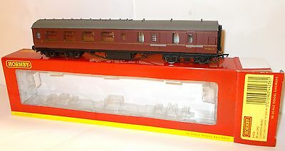 Hornby R4236 - Ex LMS Stanier Corridor Brake 3rd, BR Maroon, M5593M - Boxed.(00)