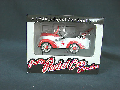SCALE 1:12 by CROWN PREMIUMS HERSHEY/'S PETITE PEDAL CAR