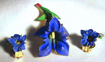 Vintage BLUE IRIS BAKELITE Carved Gentian FLOWER BROOCH & Earrings SET,fjt