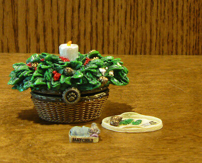 Boyds Treasure Boxes  #392166 MERRY'S HOLIDAY BASKET w/ BERRY McNIBBLE, NIB