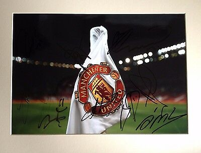 Manchester United - Superb Colour Mounted Photo Display - With 9 Team Signatures