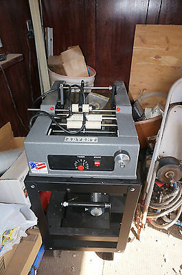 Advent Model 310 Labeler  ( Labeling Machine )