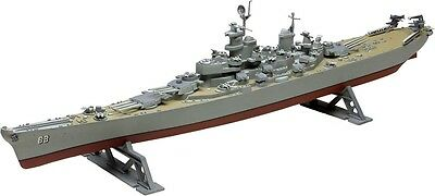 USS Missouri Iowa Class Battleship 1/535 scale skill 2 Revell model kit#0301