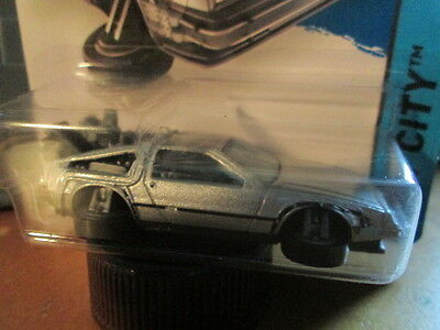 HOTWHEELS BACK TO THE FUTURE DMC DELOREAN Car (NEW FOR 2015) SCALE 1/64 - NEW!