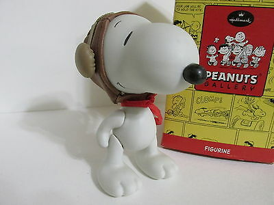 Snoopy Peanuts Charlie Brown Hallmark Porcelain Jointed Figure Figurine 2000